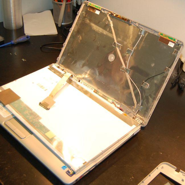 LCD Kijelző Eltávolítás