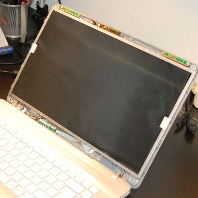 Kicserélt Laptop LCD Kijelző Visszahelyezése